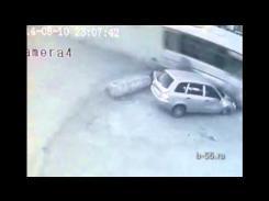 Embedded thumbnail for Страшная авария Автобус въехал в пивной бар