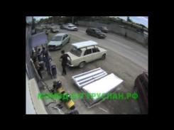 Embedded thumbnail for Жесткое ДТП в Бугуруслане, сбили пешеходов перебегающих дорогу