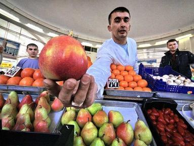 В Бугуруслане гражданин Азербайджана, торговавший в России фруктами, осужден за покушение на дачу взятки